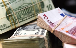 Bet on the currency: when to open the Deposit in dollars and euros
