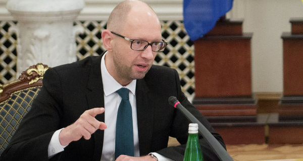 Yatsenyuk will travel to Berlin for investments and money for the purchase of gas