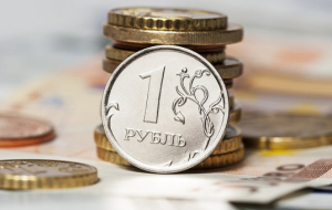 In the evening the ruble was trading around one-week lows due to weak oil