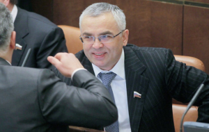 Senator Pichugov goes to manage a Russian company