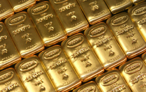 Gold prices remain positive