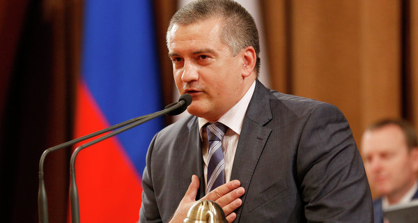 Aksenov wants to freeze the recovery from the Crimeans on the claims of Ukrainian banks