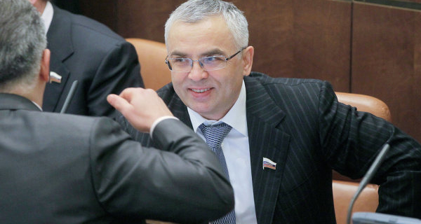 Senator Pichugov prematurely leaves the Federation Council on October 21