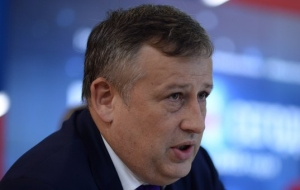 The head of Leningrad region has frozen the indexation of salaries of officials