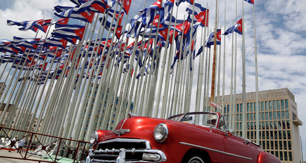 The U.S. Secretary of Commerce in Cuba to discuss normalizing relations