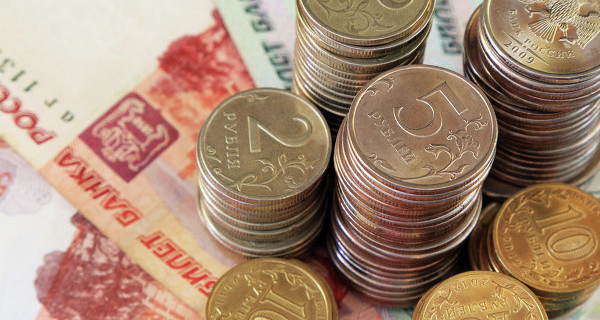 In the morning the ruble fell by 27 cents to the dollar and by 34 kopecks to the Euro