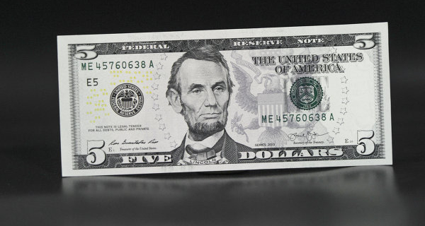 The dollar weakened against foreign currencies on the minutes of the fed meeting