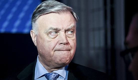 The media has linked the resignation Yakunin with the request of his son for British citizenship