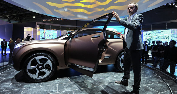AvtoVAZ on Friday will present the official appearance of crossover Lada Xray