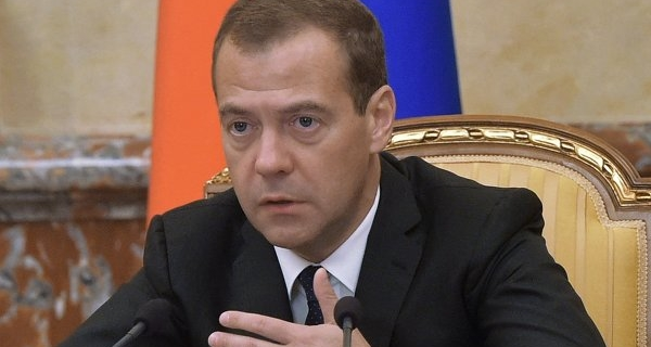 Medvedev: it is impossible to liken civil servants careerists or corrupt