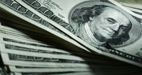 The dollar depreciates against foreign currencies in anticipation of data on the labor market