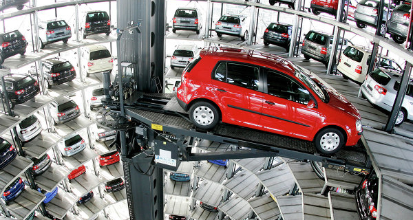 """Moody's lowered the rating on VW notch to """"A3"""" with a negative Outlook"""