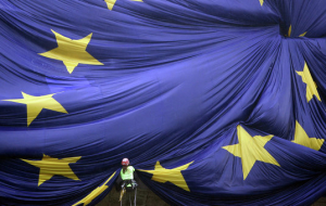 The European Union urges Russia and Ukraine to start a dialogue on the debt issue