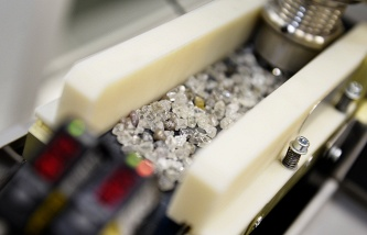 ALROSA in 2015 will increase the profit and reduce revenue by 32%