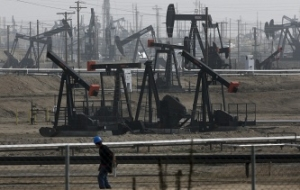 Experts: the lifting of the ban on oil exports from the U.S. will moderately affect the prices