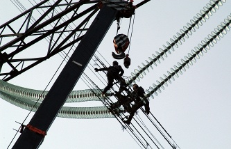 Aksyonov: Crimea receives from Ukraine 160 MW of electricity, residents are asked to abandon them