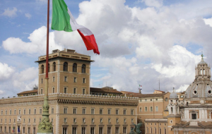 Apple will pay to the Italian Treasury EUR 318 million