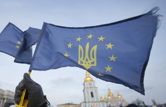 The Board of Directors of the IMF have recognized the official status of Ukraine's debt to Russia in $3 billion
