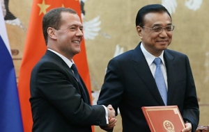 Medvedev: Russia and China should jointly respond to challenges in the economy