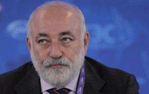 "Vekselberg: the task of the Russian economy in 2016 ""if only not to fall"""