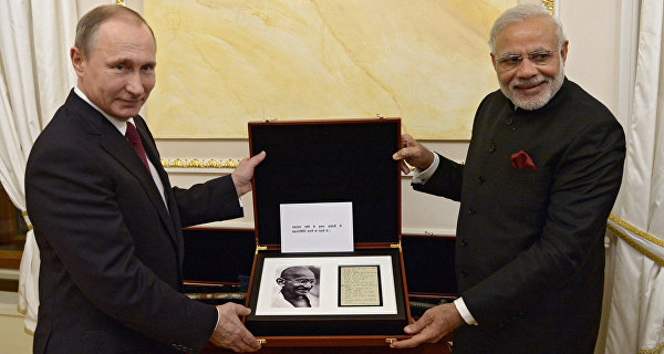 Putin gave modi a page from the diary of Gandhi and the sword of the 18th century