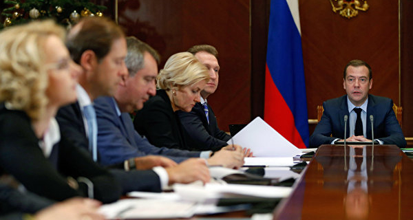 Medvedev did not touch upon the topic of the ruble at the session of the government