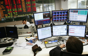 The stock market declined amid falling oil prices and the ruble