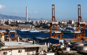 China Cosco has offered 368 million euros for a majority stake of Piraeus port