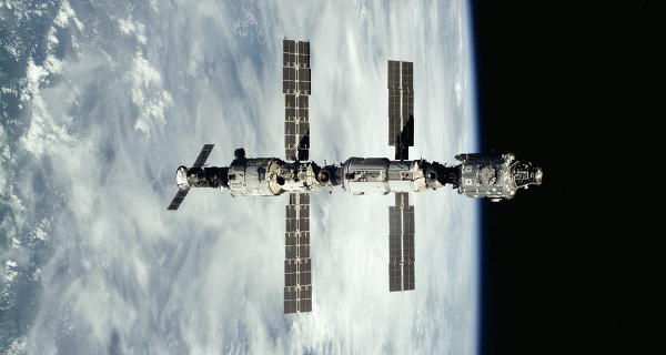 Named company, which won the NASA contract for cargo delivery to the ISS