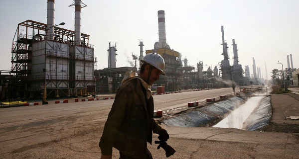 Brent depreciates more than 2 percent after the lifting of sanctions with Iran