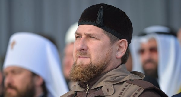 Political analysts have linked criticism of the Chechen authorities against the opposition with the election