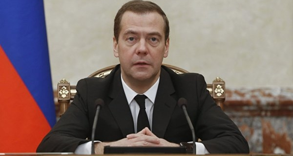 """Medvedev: the project """"School literate consumer"""" should be continued"""
