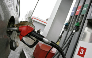 Unlike Michigan, the price of gasoline in Russia does not think to decline
