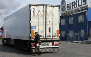 Russia and Poland on Tuesday will continue talks on trucking
