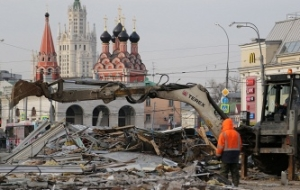 Luzhkov: in Moscow demolished the pavilions appeared in 1990-ies according to the standards of those years