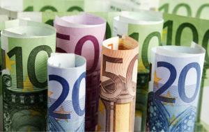 Euro for the first time in two weeks exceeded 89 rubles