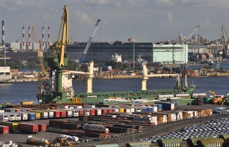 "The big port of St. Petersburg the first in Russia will start to work through the customs portal ""seaport"""