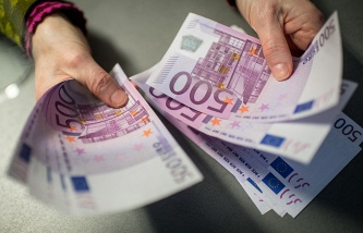 The former head of the U.S. Treasury summers called for the abolition of banknotes in €500 and $100