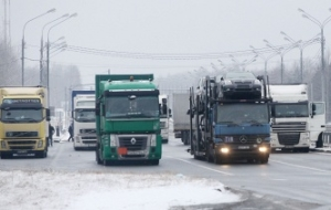 On border of Lithuania with Belarus do not decrease the queue of trucks