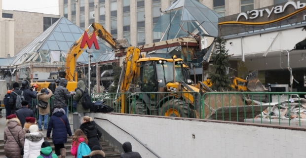 "The last day of the ""Pyramid"": in Moscow demolished the most famous squatter"