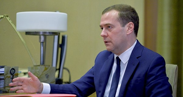 Medvedev instructed to provide solutions to support the automotive industry
