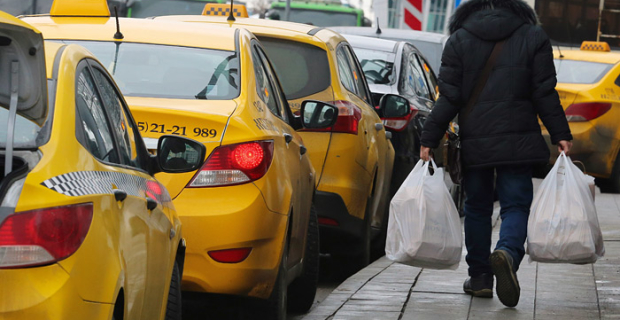 The volume of the taxi market in Russia was estimated at 441 billion rubles