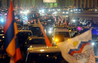 The Federation Council approved a law that equates the rallies and demonstrations