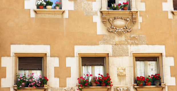 The Russians began to buy less house in Spain