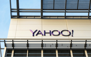 Yahoo received nearly $100 million net loss in first quarter