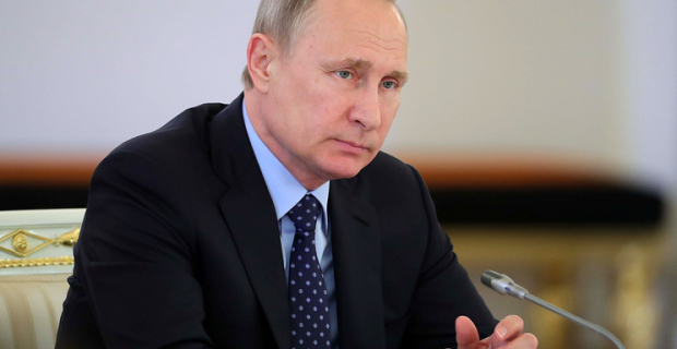 "Putin discussed the issue of resettlement of emergency housing and appraised the implementation of ""may decrees"""
