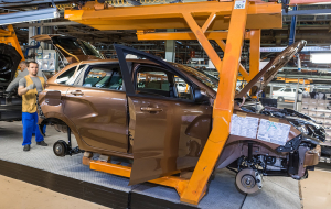 """AvtoVAZ"" intends to cut more than 8 thousand employees in 2017-2018"